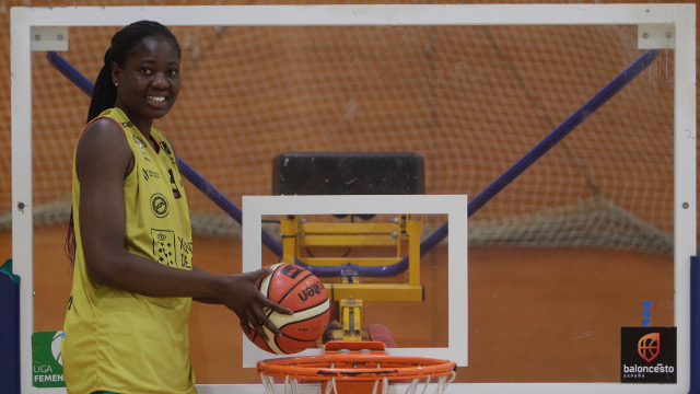 Bineta Ndoye, torre del Arxil: «No me gusta el baloncesto»